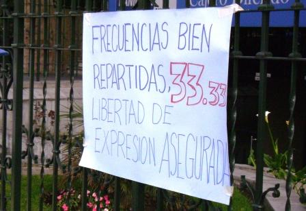 Frecuencias bien repartidas. Imagen tomada de http://oclacc.org/noticia/sociedad-civil-exige-ley-comunicaci-n-democr-tica